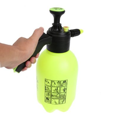 Portable Pump Sprayer with Dynamic Nozzle, 68oz
